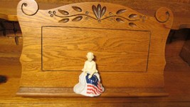 Vintage Avon July 4th 1976 Betsy Ross Figurine Collectible Cologne Bottle - $5.95
