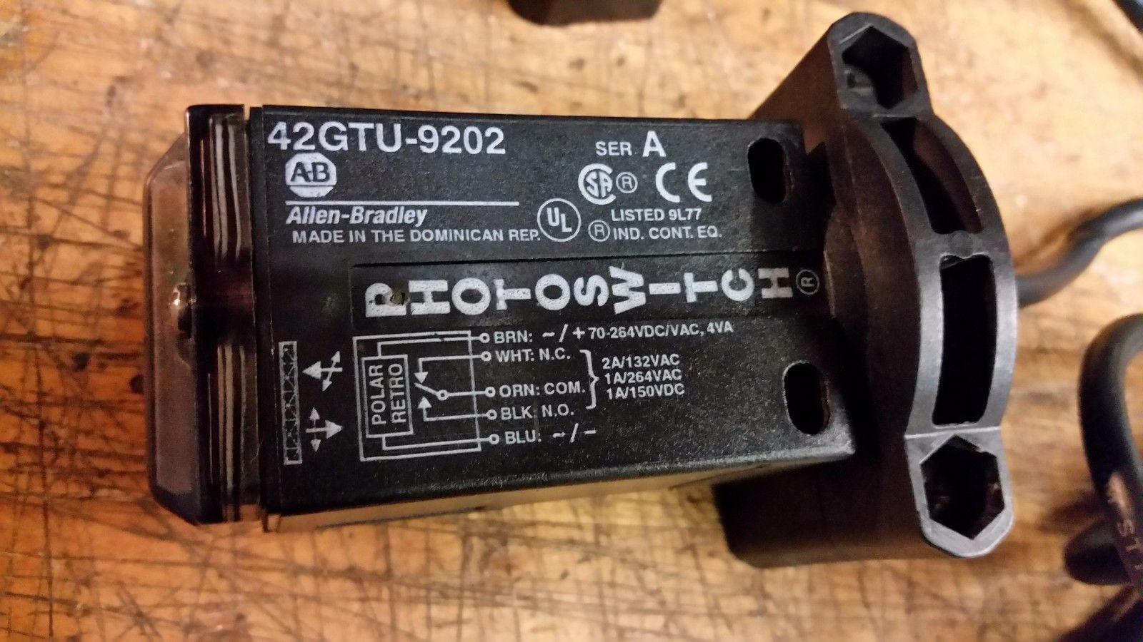 Allen bradley 42gtu-9202 42gtu9202 with cable and mount