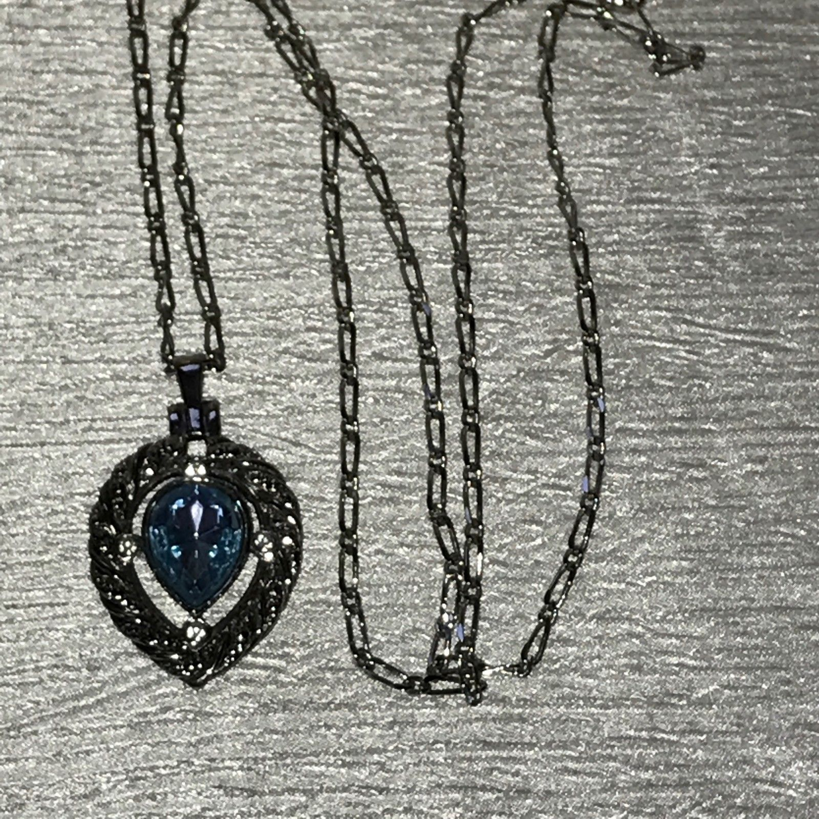 Estate Avon Signed Long Silvertone Chain w Teardrop Blue Faceted Glass Pendant