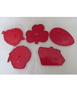 Vintage Red Plastic Cookie Cutters - Five Different Holidays, Most HRM Marked  - €8,54 EUR