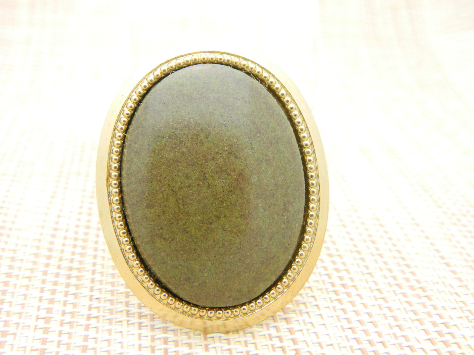 Green Brown Agate Stone Gold Tone Oval Pin Brooch Vintage (B)