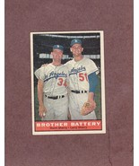 1961 Topps # 521 Norm Larry Sherry Brother Battery Los Angeles Dodgers - $3.99