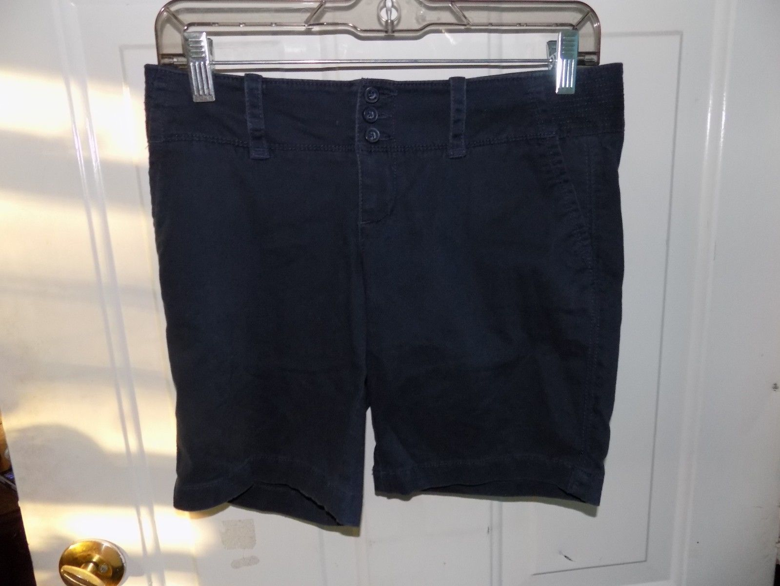 Primary image for American Eagle Navy Blue Stretch Shorts Size 0 Women's EUC