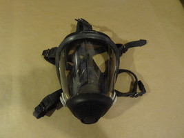 SPERIAN GAS MASK  GREAT SHAPE  OUT OF THE BOX  CLEAN  - $39.99