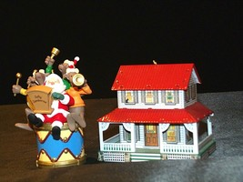 Hallmark Keepsake Ornaments Kris and the Kringles & Farm House AA-191792B  Colle image 2