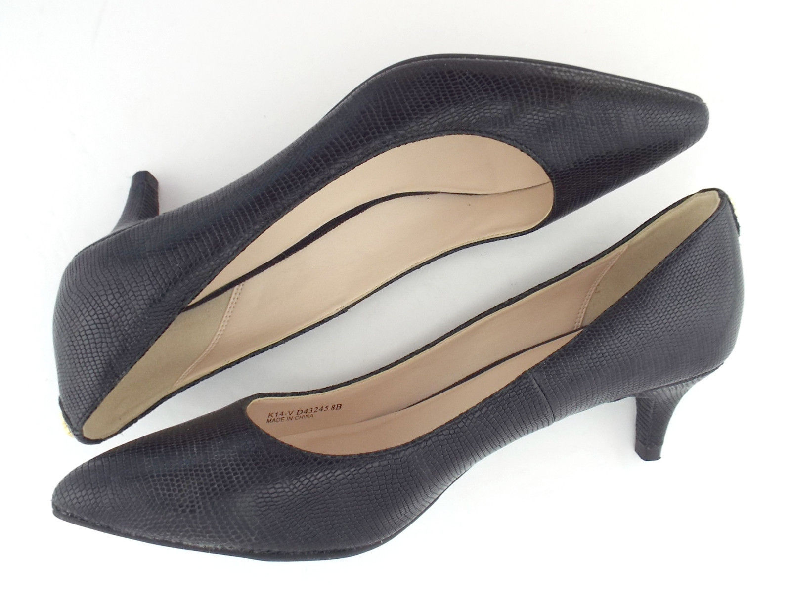 COLE HAAN Size 8 Black Textured Leather Low Heel Pumps Shoes