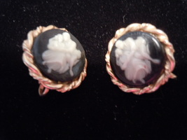 Vintage Victorian Couple Cameo Setting Clip Earrings - $9.99