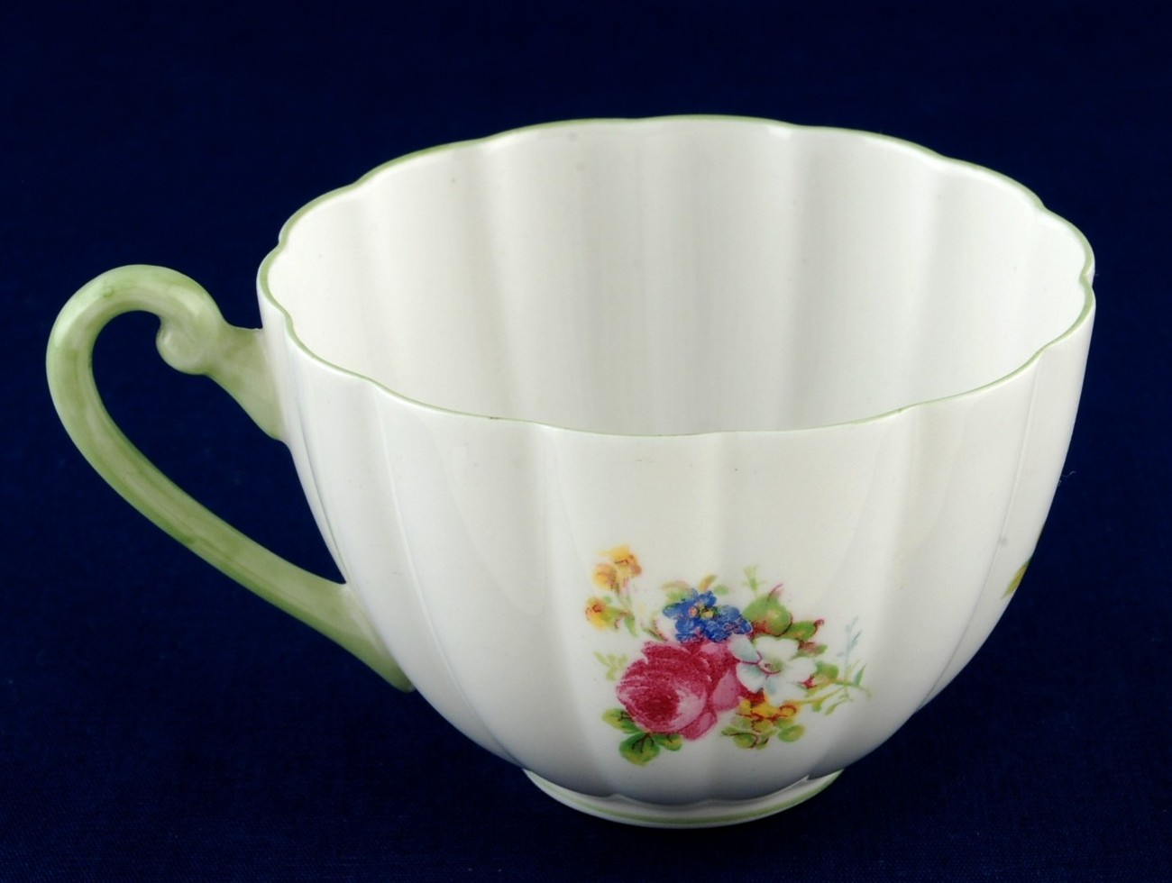 Shelley Hulmes Rose Cup Ludlow Shape Green Rim / Handle 13240 Mint