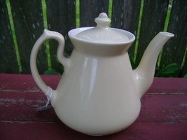 Old Hall Philadelphia 6 Cup Cream Colored Teapot w Lid - $44.55