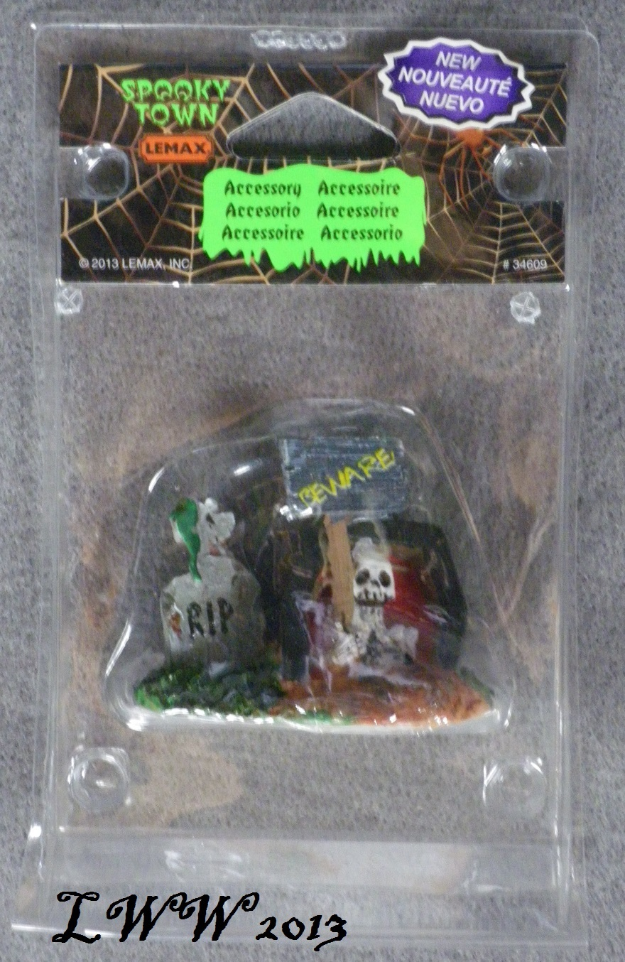 Halloween Lemax Spooky Town Village Tombstones Accessory Coffin Skeleton Beware