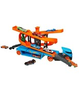 NEW Hot Wheels Lift and Launch Hauler with 10 Hot Wheels Vehicles FREE S... - $30.99