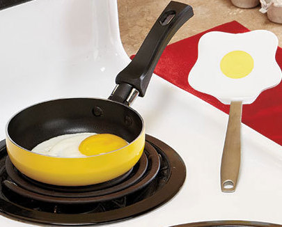 Primary image for Mini Pan with Eggcellent Spatula