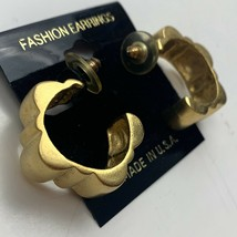 Vintage Satin Brushed Gold Tone Scalloped Hoop Earrings New Old Stock Pi... - $14.80