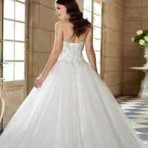 Women's Sweetheart Beaded Corset Bodice Classic Tulle Wedding Dress image 2