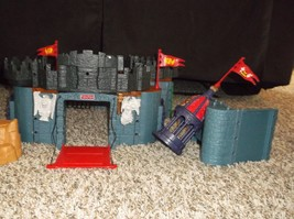 Fisher-price Imaginext Battle Castle  - $29.70