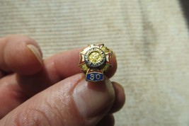 VETERANS OF FOREIGN WARS  OF THE US 30 YEARS AWARD VTG  LAPEL PIN - $14.25