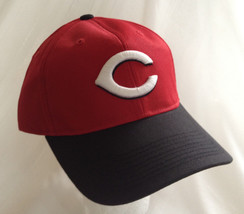 Official MLB CINCINNATI REDS CAP Black Red size Adult M/L Embroidered logo - $16.65