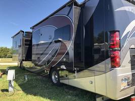 2019 THOR MOTOR COACH VENETIAN S40 FOR SALE IN Rapid City, SD 57701 image 4