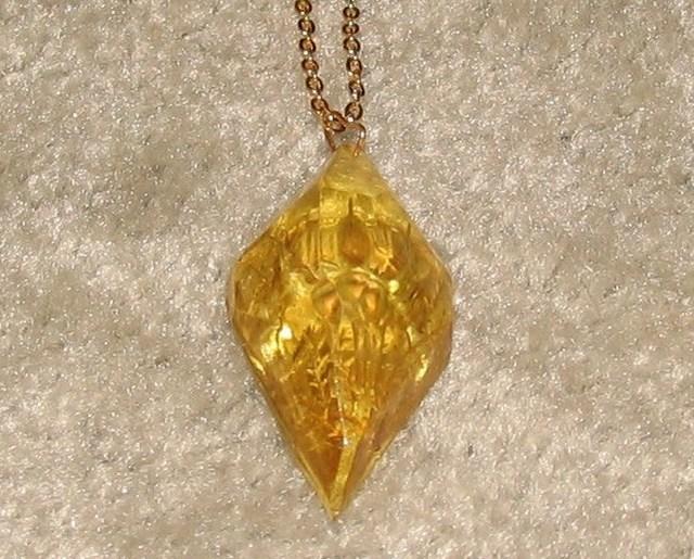 Vintage Goldtone Chain & Unique Pendant