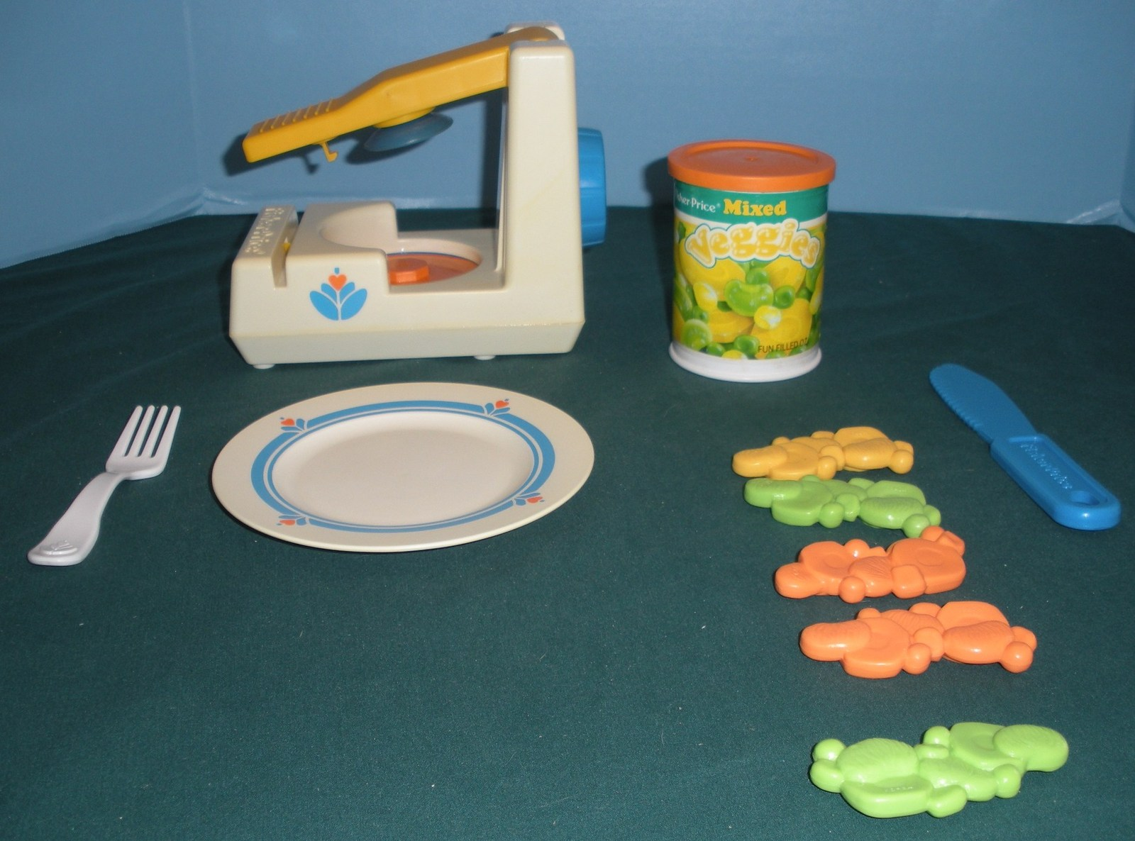 Vtg. Fisher Price Fun with Food #2112 Pop Top Can Opener VG-VG+ (H) (Rough Room)