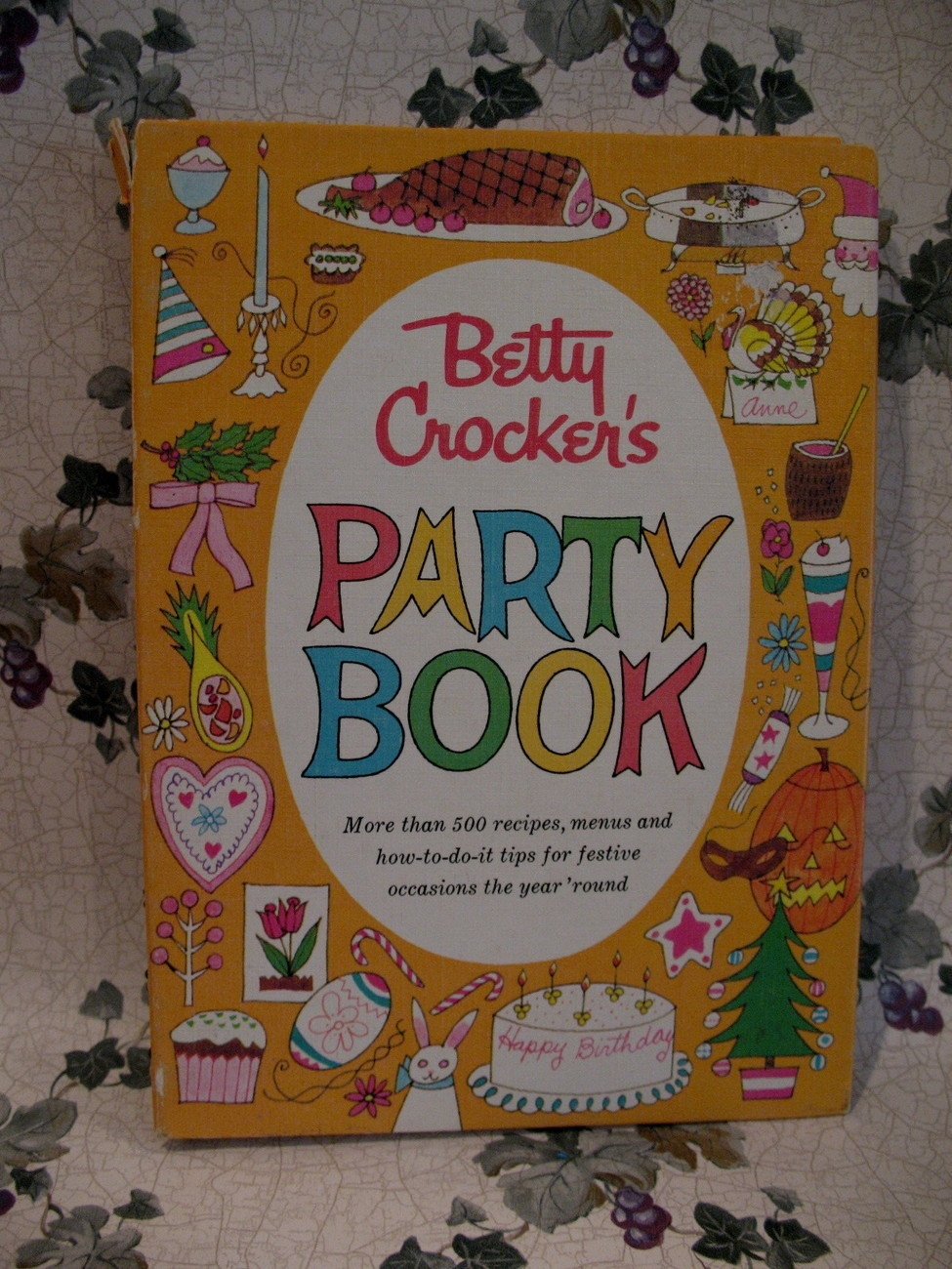 Primary image for Betty Crockers Party Book Cookbook Recipes FIRST Edition Collector Collectible