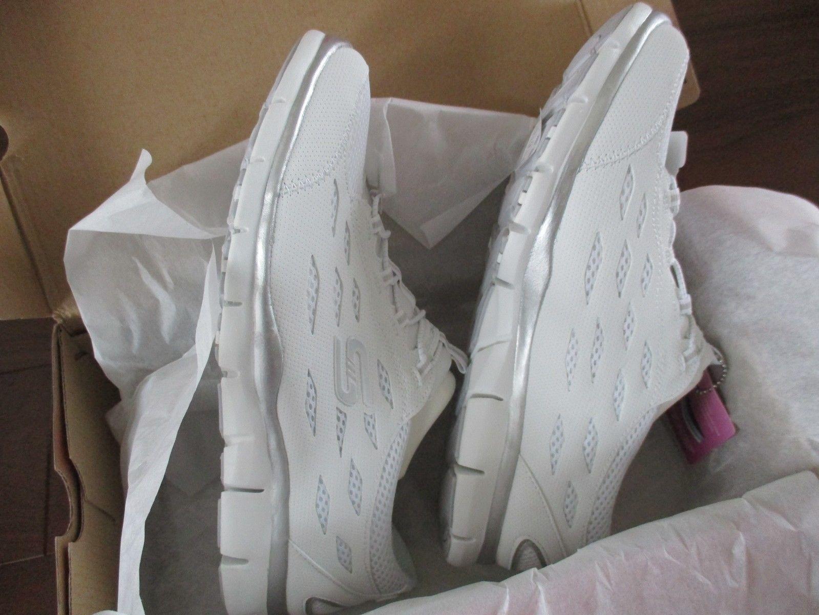 BNIB Skechers Gratis-Going Places Women Sneakers, Slip-on, White, size 11, 22603