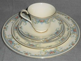 Royal Doulton Romance Collection Juliet Pattern 5 Pc Place Setting England - $39.59