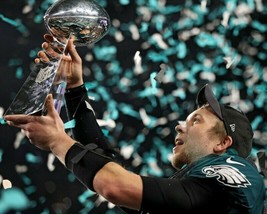 Nick Foles 8X10 Photo Philadelphia Eagles Nfl Football Picture With Trophy - $3.95