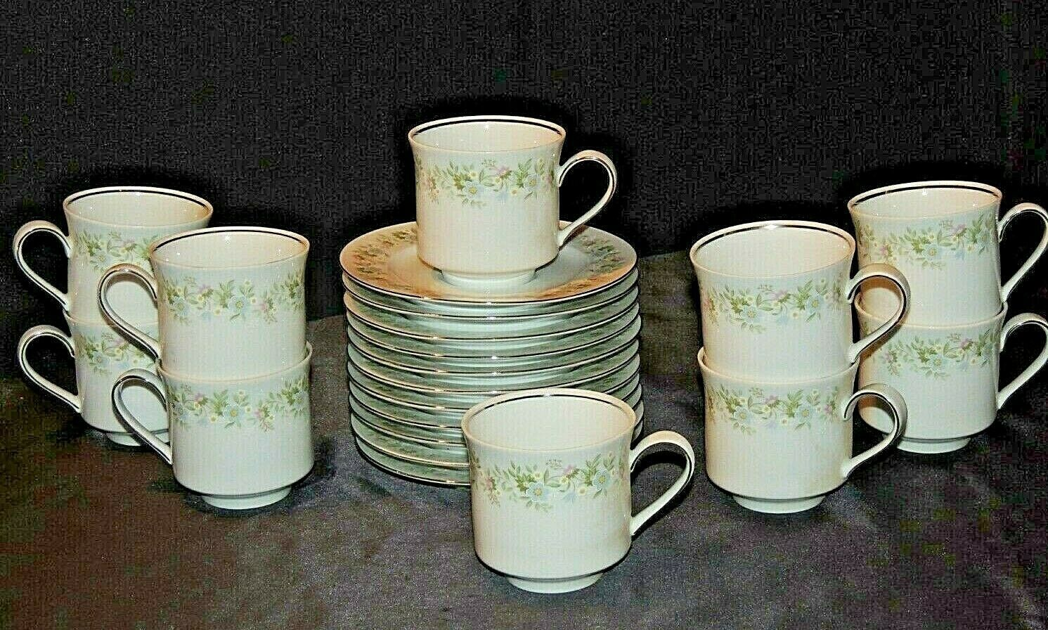 Primary image for Johann Haviland Bavaria Cups and Saucers AA20-7170AA Vintage
