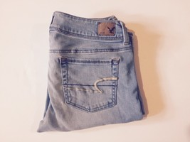 (013) American Eagle. Jeans. Size 8. Light Wash. Kick Boot. - $20.00