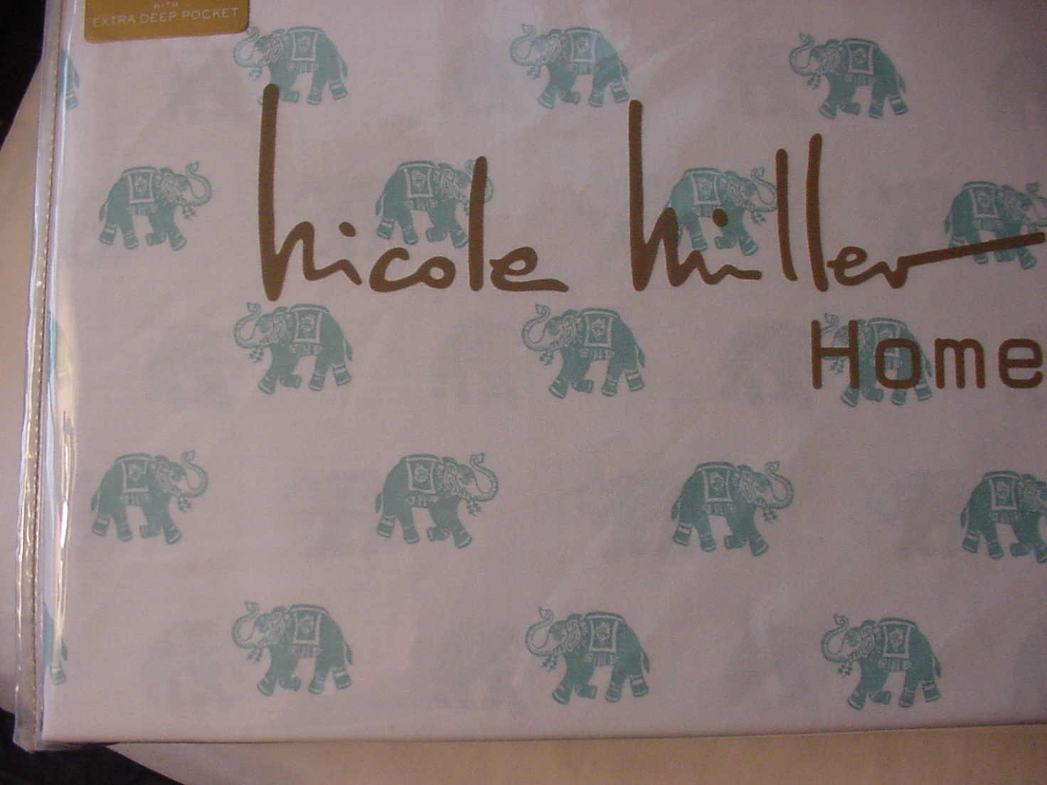 Nicole Miller Aqua Elephants on White Cotton Sheet Set Full