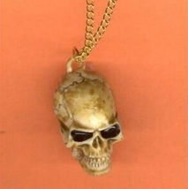 SKULL PENDANT NECKLACE AMULET-Realistic Gothic Costume Jewelry - $6.97