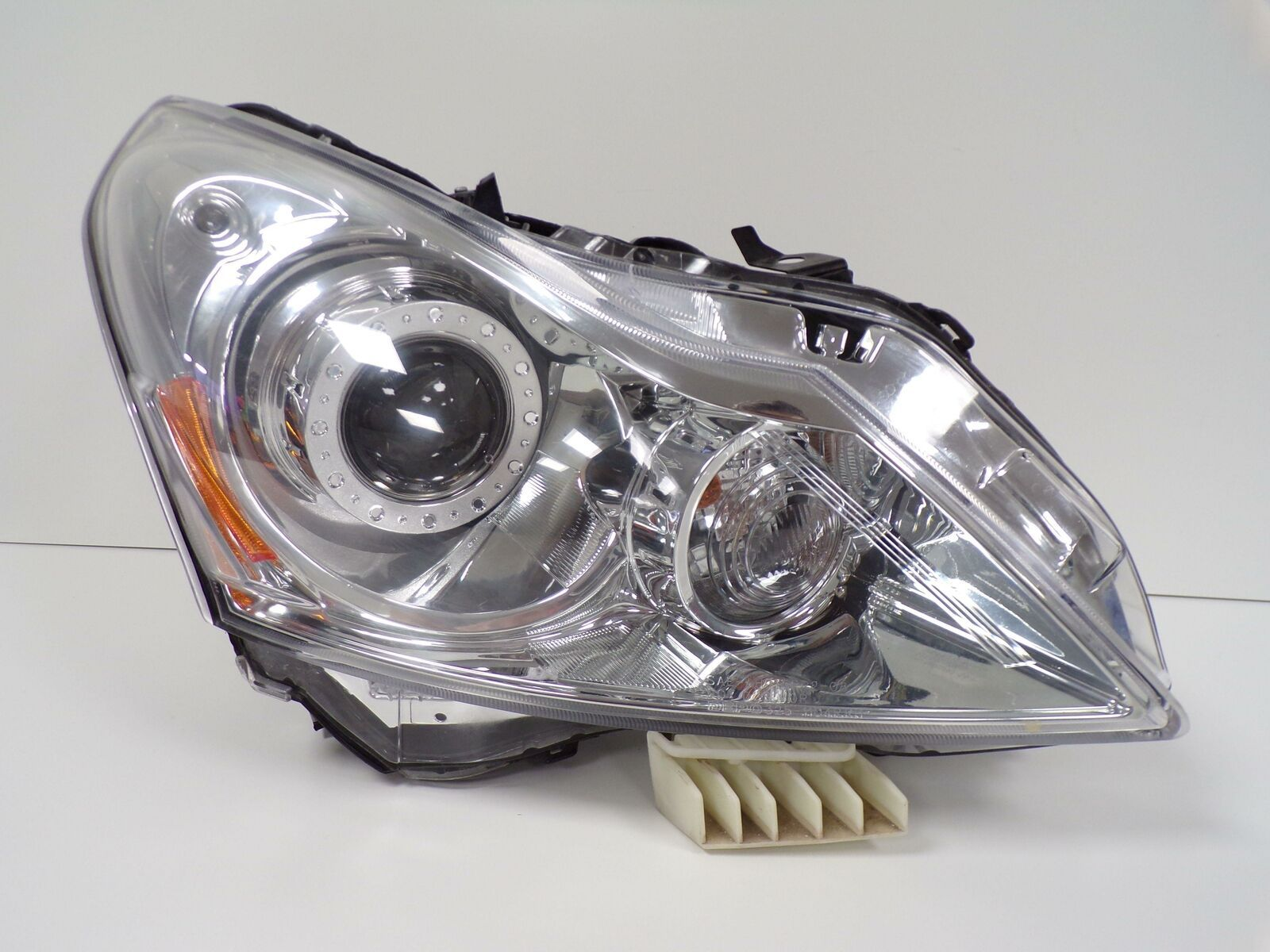 Primary image for 2010 2011 2012 2013 INFINITI G37 SEDAN PASSENGER RH XENON HID HEADLIGHT OEM B11R