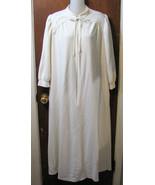 Vanity Fair Zip Front Dressing Robe Cream Size Small  - $16.99