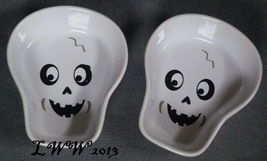 2 White Skull shaped Halloween Ceramic Bowls Baking Dishes Bakeware Spooky - $5.99