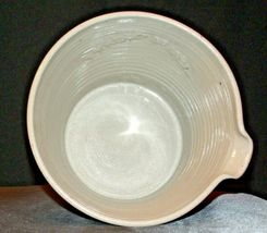 2002 Daviess County Westerwald Pottery Bowl with Pour Spout AA-191824 (1 Piece ) image 3