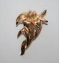 Vintage Crown Trifari Gold Tone Faux Seed Pearl Flower Brooch J314 - $24.00