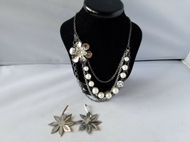 Vintage Fashion Jewelry Set Metal Silver Tone Sunflower Earrings & Necklace - $27.89