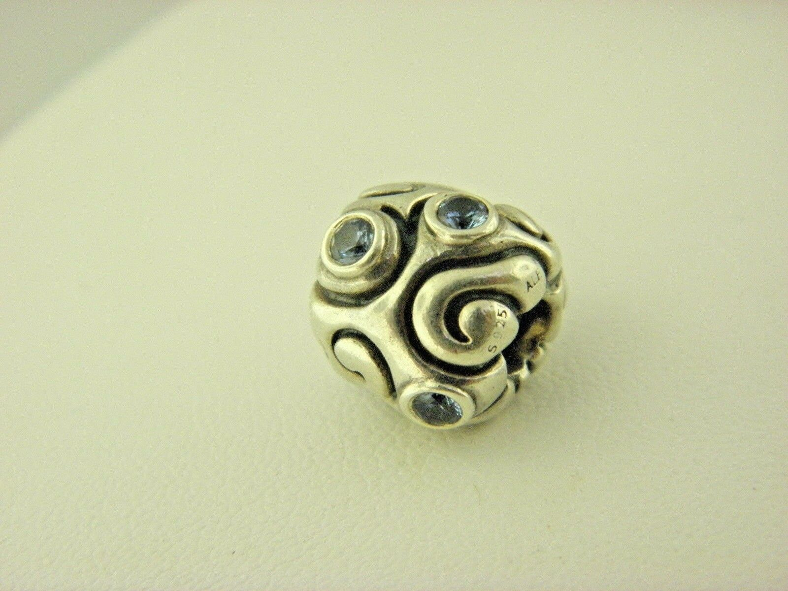 Pandora Ale Charm Weiß Blau Cz in Sterling Silber