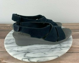 Clarks Cloudsteppers Caddell Bright Womens Size 6.5 Navy Slingback Sandals - $24.95