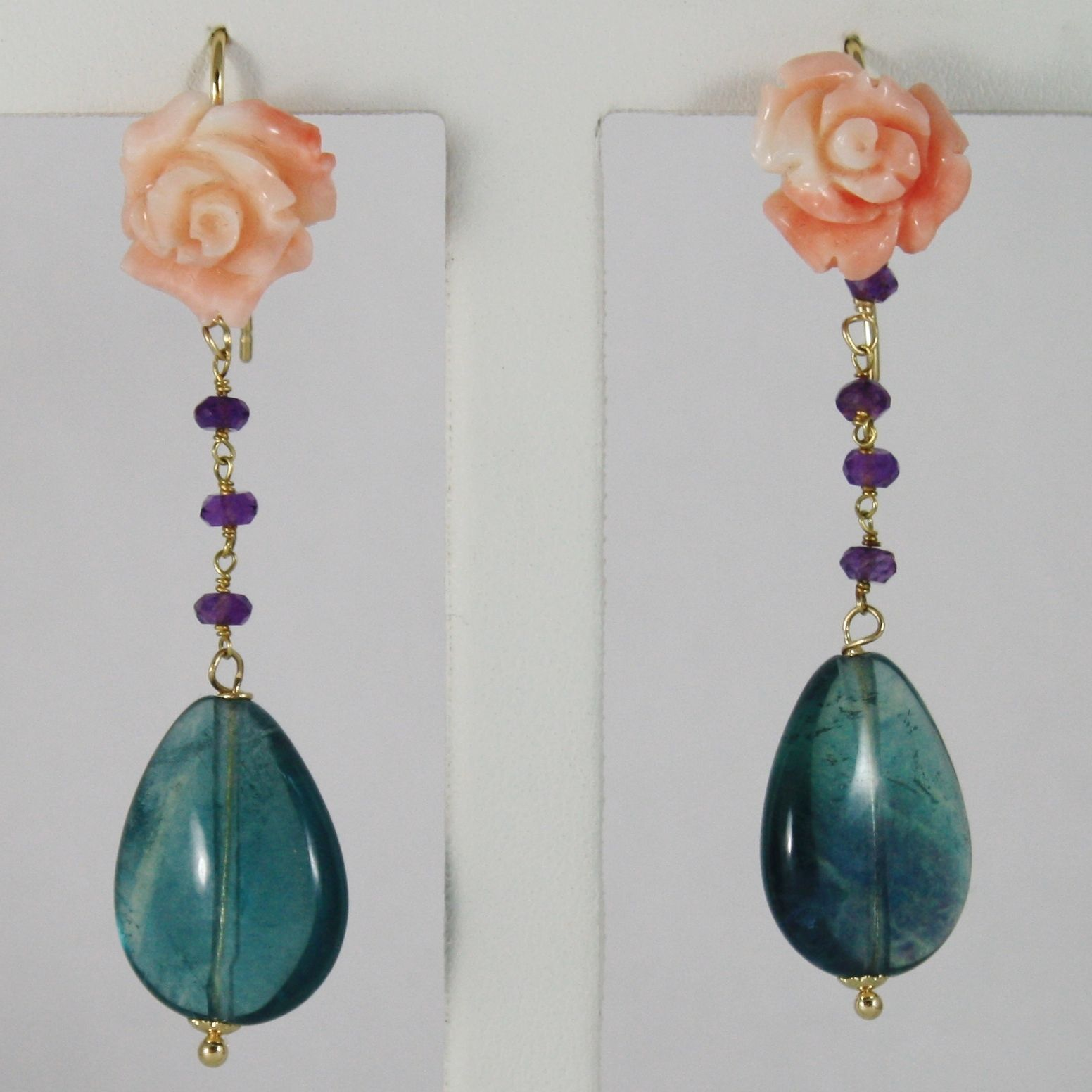 18K YELLOW GOLD PENDANT EARRINGS WITH PINK CORAL ROSE FLOWER, FLUORITE AMETHYST