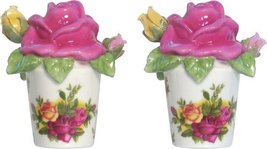 ROYAL ALBERT OLD COUNTRY ROSES SCULPTED ROSE SALT/PEPPER SET BONE CHINA 22K NEW - $96.70