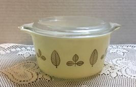 Vintage Pyrex Twin Buffet Promotional Cinderella Casserole Dish With Lid - $12.50