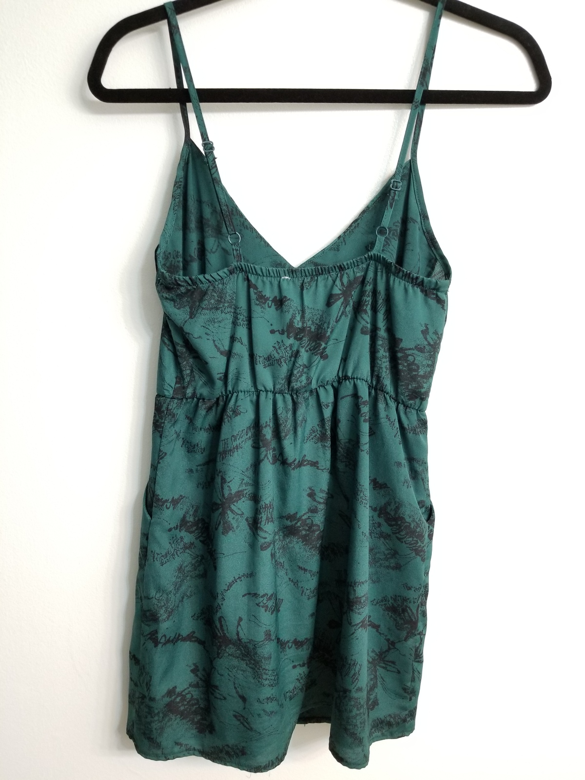 Lush dress green and black print XS PRE-OWNED shortened