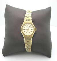 Womens Vintage Seiko Analog Dial Hand Wind Casual Watch (B240) - $25.62