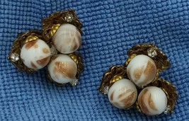 ROBERT signed 1940 BEAUTIFUL MURANO GOLD FLECK BEADS CLIP EARRINGS  DEJ436 - $33.66