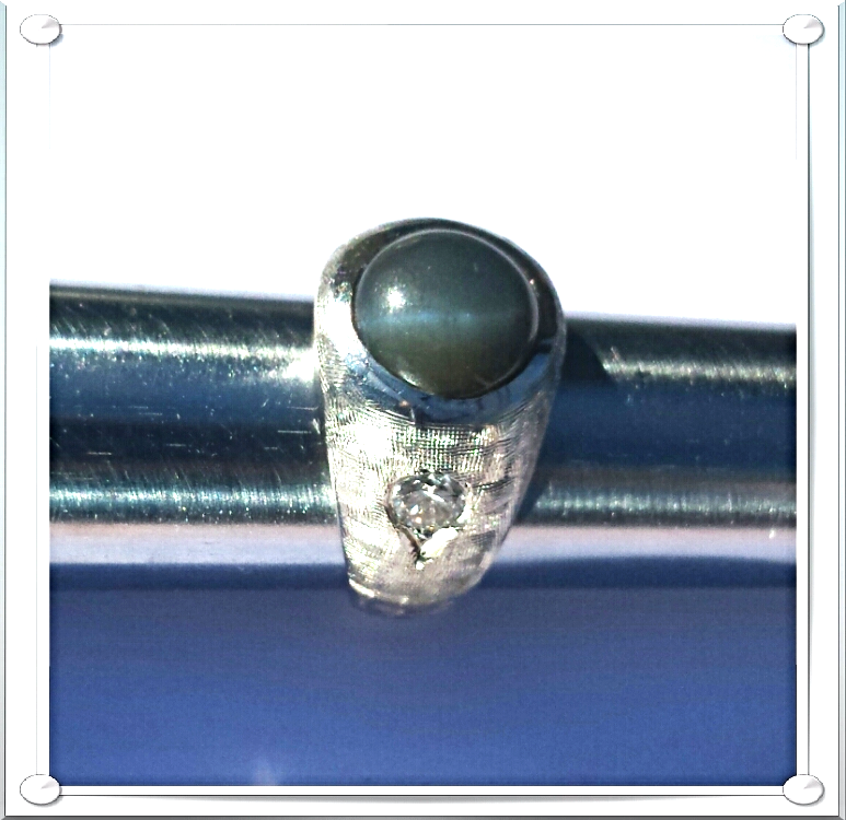 MEN's RING~ FINE DIAMONDS(.60ctw)+CAT'S EYE GrayGreen(8.35ct)+14K W.GOLD(16.57g)