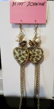 BETSEY JOHNSON GOLD TONE FAUX PEARL ANIMAL PRINT HEART DROP EARRINGS NWT - $14.52