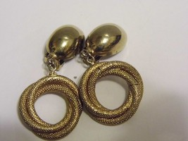 VTG Gold Tone Dangling Rope Pair Clip On Earrings Costume Fashion Jewelry - $10.66