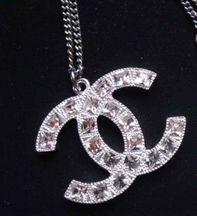 AUTHENTIC Chanel Classic Large CC Logo Necklace Square Crystal Pendant
